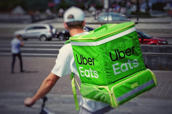 Uber Eats, cos'è e come funziona l'app di food delivery