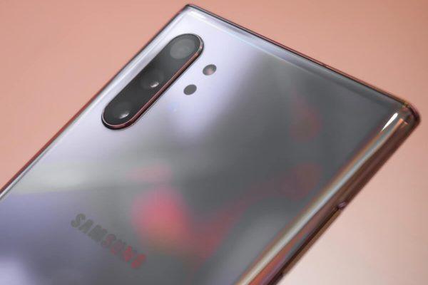 Android 10 per Samsung Galaxy; quando è previsto l'aggiornamento