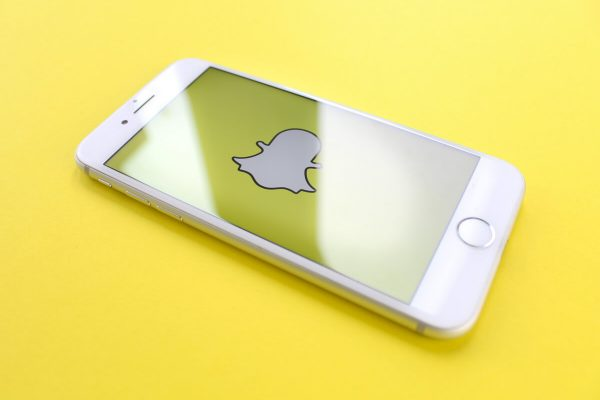"Snapchat, nuovo filtro ""Time Machine"" in stile FaceApp"