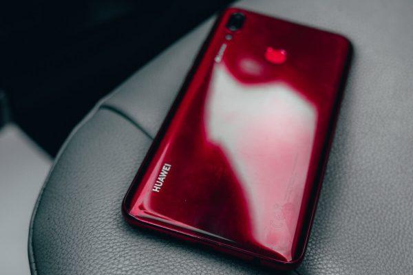 Huawei annuncia smartphone che riceveranno Android 10