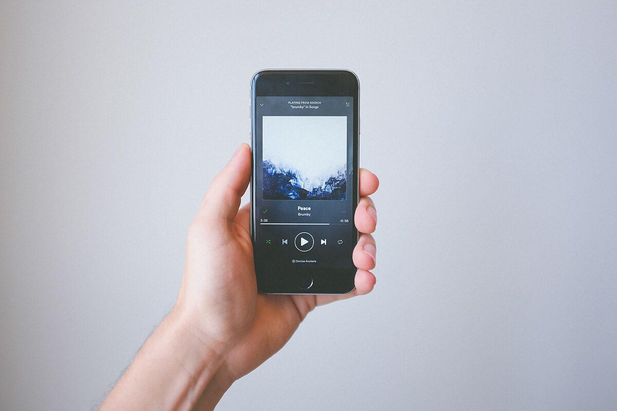 Spotify, nuove funzioni per condividere musica e podcast